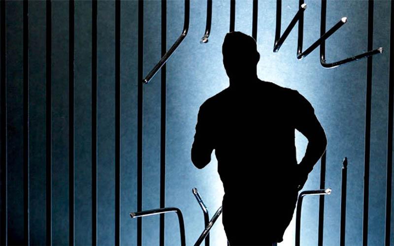 Gergaji Plavon, 7 Tahanan Polsek Tambak Sari Surabaya Kabur