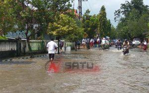 Hujan Lebat, Sejumlah Jalan di Wilayah Kota Sumenep Tergenang Air