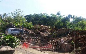Tim Sar Gabungan Terus Lakukan Evakuasi Longsor Ponorogo