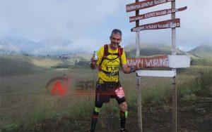 Denis Atlet Asal Australia Ini Takjub Dengan Keindahan Alam Gunung Ijen Bondowoso