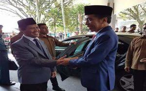 Jokowi Serahkan 10 Ribu Lebih Buku Sertifikat Pada Masyarakat Jatim
