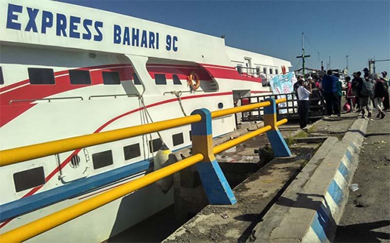 Membentur Karang, Kapal Mudik Gratis Jangkar Raas Kandas