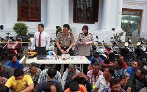 Polrestabes Surabaya Amankan Ratusan Preman Di Terminal Dan Pasar