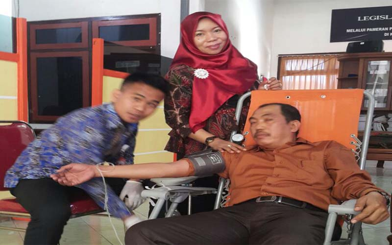 Hanya Ketua DPRD Sumenep Yang Ikuti Donor Darah