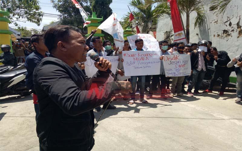 Diduga Ada Penyimpangan, Formasi Demo Kantor Disdik Pamekasan