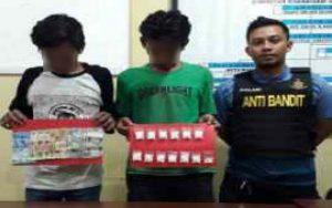 Edarkan Ratusaan Pil Doble L, Dua Pemuda Diamankan Polrestabes Surabaya