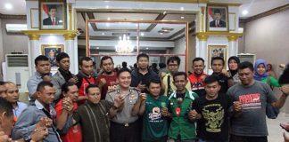 Polrestabes Surabaya Mediasi Sporter Persebaya Dengan PSHT (Foto : Surabayaraya.com)