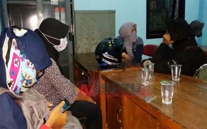 Diduga Mesum, Satpol PP Sumenep Amankan Tiga Wanita Berhijab Di Hotel