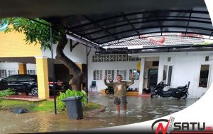 Diguyur Hujan Deras, Rumdis Wabup Sumenep Terendam Banjir