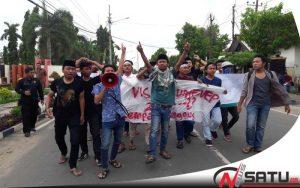Program Visit Tak Jelas, Aktivis Gempar Demo Kantor Bupati Sumenep
