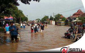 Puluhan Rumah Di Probolinggo Terendam Banjir