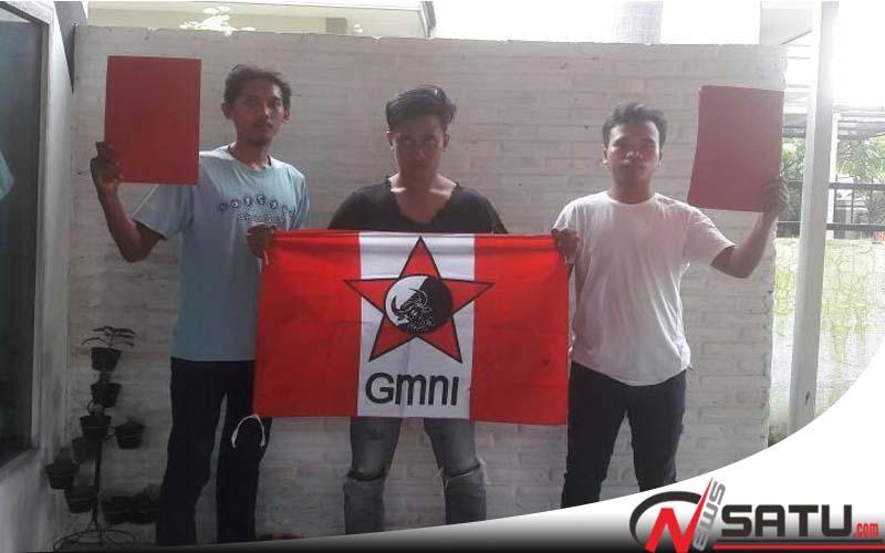 Tolak MD3, GMNI Pobolinggo Beri Kartu Merah Anggota DPR