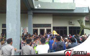 Tolak UU MD3, Mahasiswa PMII Sumenep Bentrok Dengan Polisi
