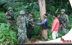 Warga Papua Serahkan Senjata Jenis Mouser Ke TNI