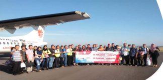Kunjungi Sumenep, Puluhan Wisatawan Naik Pesawat