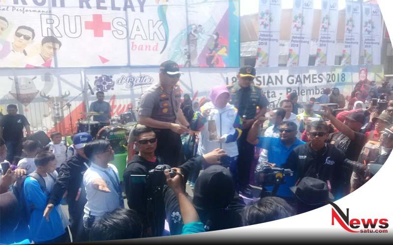 Molor 5 Jam, Akhirnya Obor Asian Games Tiba Di Kota Probolinggo