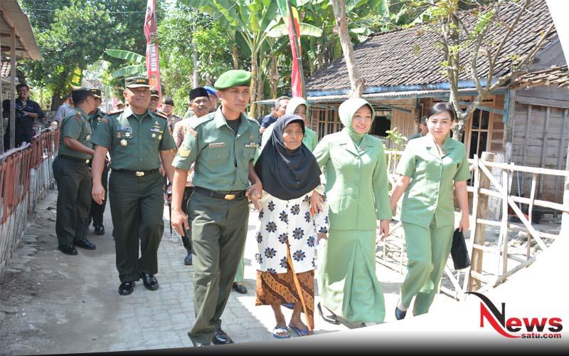 TNI Tuban Beri Kejutan Pada Nenek Sebatang Kara