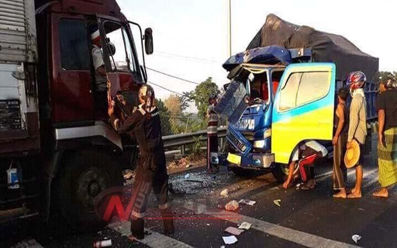 Dua Truk Terlibat Kecelakaan Di Probolinggo