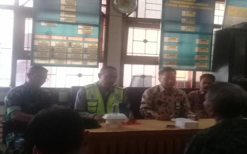 Rawan Pencurian, Warga Kota Probolinggo Bangun Pos Kamling