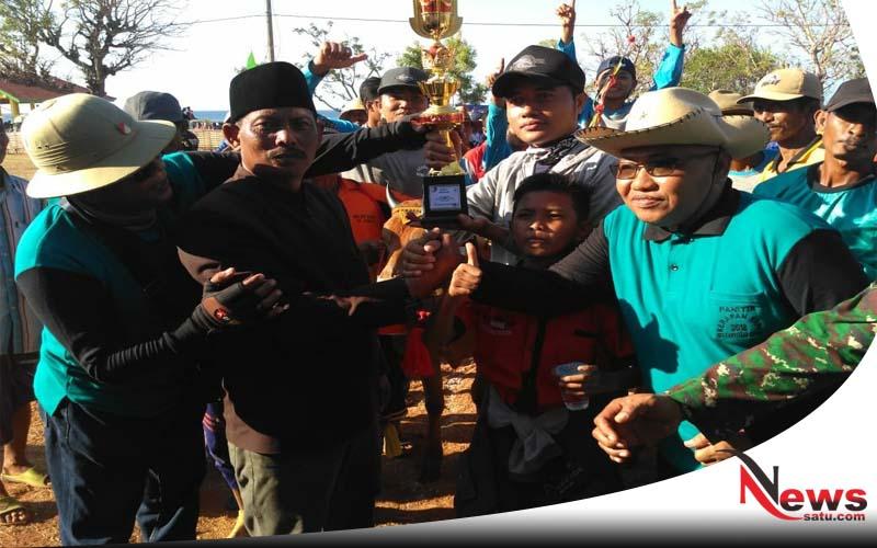Puluhan Pasang Sapi Rebut Plang Tingkat Kabupaten Di Lapangan Rosong
