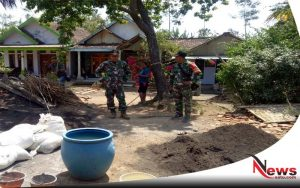 Warga Probolinggo Dikejutkan Dengan Kedatangan Anggota TNI