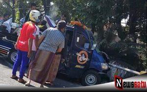 Diduga Mengantuk, Mobil Bermuatan Moge Tabrak Jembatan Di Probolinggo