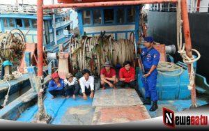 Ditpolairud Polda Kepulauan Riau Amankan Kapal Asal Vietnam