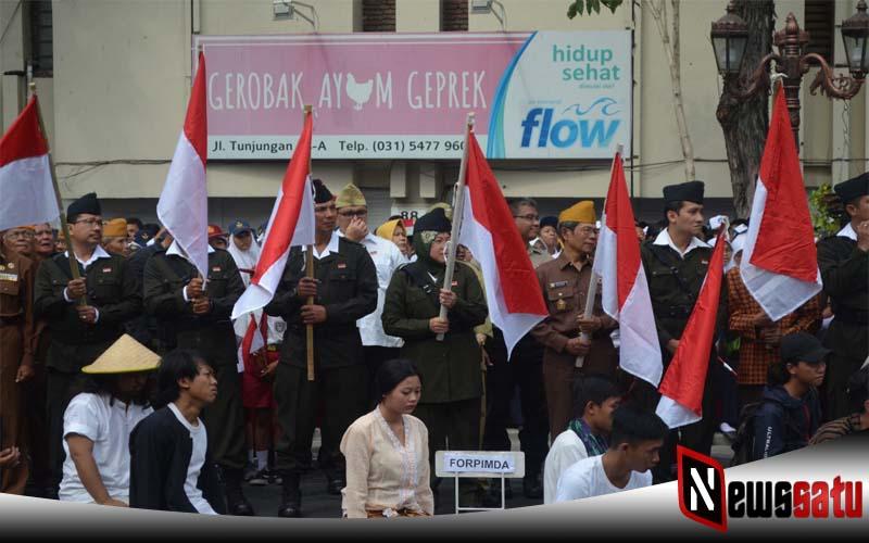 Walikota Surabaya Dan Danrem 084 Bhaskara Jaya Saksikan Perobekan Bendera Belanda
