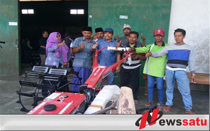 Berkat Perjuangan Indra Wahyudi, Petani Dapil IV Sumenep Dapat Bantuan 30 Unit Handtraktor