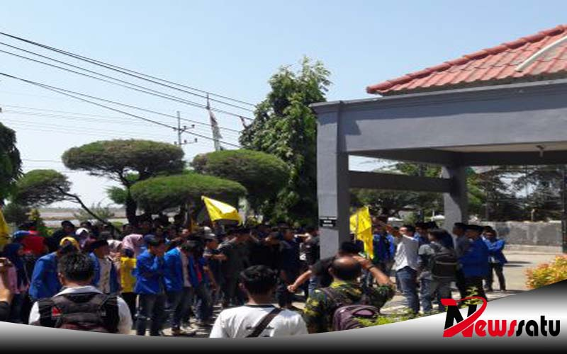 Lecehkan Kader PMII, Oknum Dosen UNIJA Sumenep Di Demo