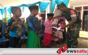 TNI Beri Santunan Pada Anak Yatim Di Bangkalan