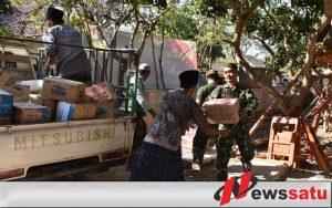 TNI Polri Salurkan Bantuan Sembako Ke 14 Desa Korban Gempa Di Sapudi Sumenep