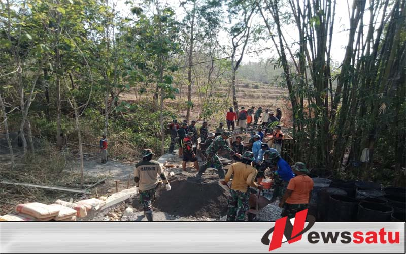 Warga Desa Durin Bangkalan Mulai Merasakan Program TMMD