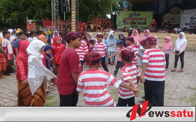 Kota Probolinggo Tempoe Doeloe Sajikan Permainan Tradisional