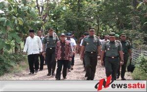 Pangdam Brawijaya Bersama Bupati Sumenep Tinjau Lokasi Eks Gempa Pulau Sapudi