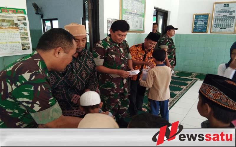 TNI Cilacap Berbagi Dengan Anak Yatim