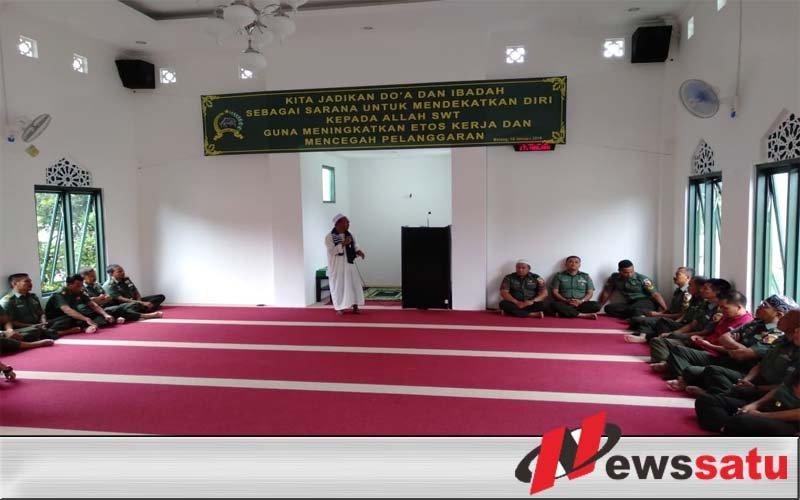 Anggota TNI Malang Diberi Siraman Rohani Di Masjid Baladhika Jaya