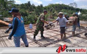 TNI Cilacap Bersama Warga Bergotong Royong Bangun Masjid Al Huda