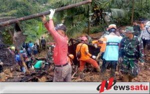 Tim Gabungan Terus Evakuasi Korban Longsor Sukabumi