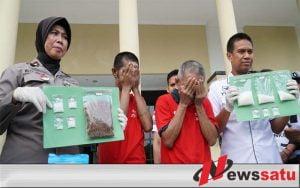 Dua Pengedar Sabu Di Surabaya Diringkus Polisi