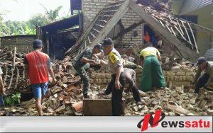 Diterjang Angin Kencang, Rumah Kuli Bangunan di Pemekasan Ambruk