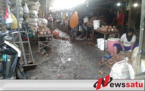 Kondisi Pasar Kolpajung Pamekasan Dikeluhkan Pengunjung