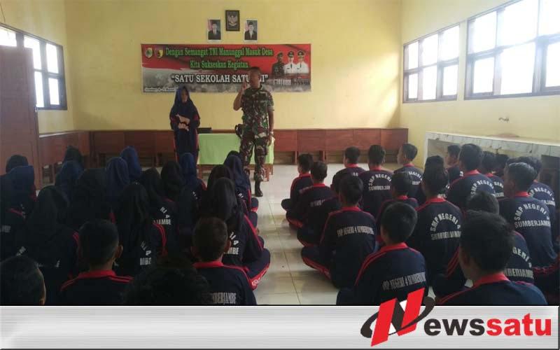 Pelajar SMPN 4 Jember Dibekali Wasbang oleh Pabintal Korem 083 Baladhika Jaya
