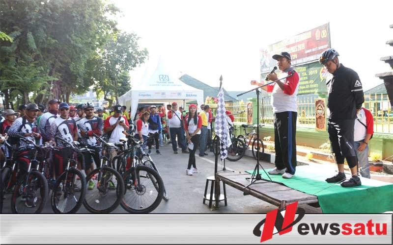 Ratusan Pecinta Sepeda Ikuti Gowes Explore Sumenep 2019