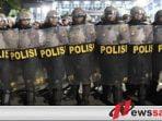 Polisi Amankan 20 Orang Dalam Demo Tolak Hasil Pemilu Di Bawaslu