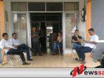 Disambangi Tim Penyidik, Ketua KPU OKI Minta Wartawan Keluar Dari Kantornya