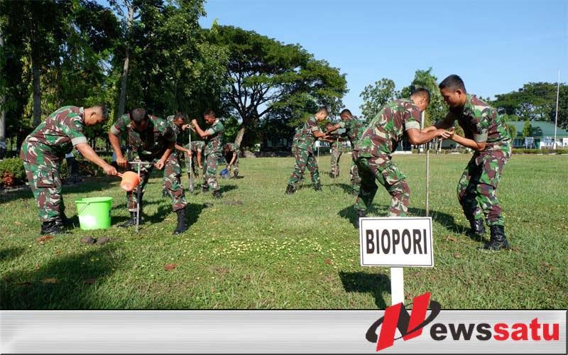 Jaga Lingkungan, TNI Kostrad Ngawi Galakkan Biopori