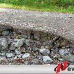 Baru Selesai Dikerjakan, Jalan Di Kecamatan Air Buaya Rusak