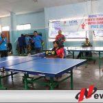 Serunya Permainan Tenis Meja Bupati Sumenep Dengan Ketua Koni