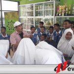 Herman DK Berbagi Dengan Anak Yatim Di SMPN 1 Sumenep